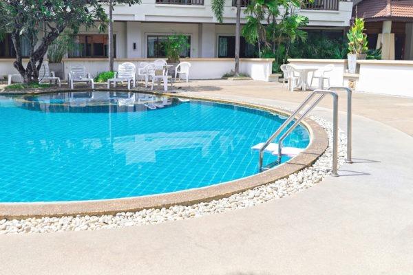 Piscina limpia y lista para el chapuzón - Puesta a punto de una piscina